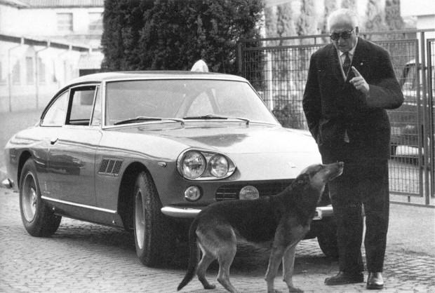 Ferrari-330-GT (13)