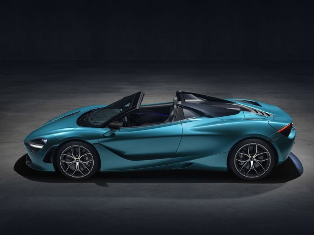 mclaren-720s-spider-dec-2018-studio-image-04-1544447794